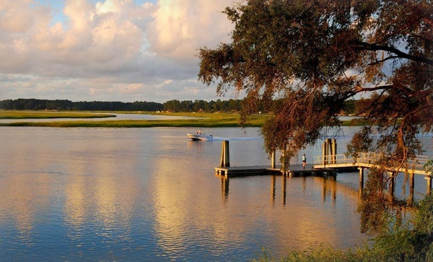 Hilton Head Island Welcome Center - Hilton Head Island, SC: Stay at the Park Lane Hotel & Suites from the Hilton Head Island Welcome Center in South Carolina. Dates into March.