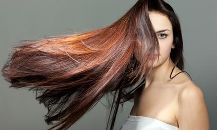 Sesión de peluquería con corte, tinte y/o mechas desde 16,95 € en Elfos Fashion