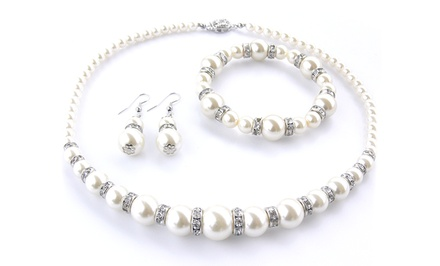 groupon daily deal - Guccinara Freshwater Pearl Necklace, Bracelet, and Earrings Set.