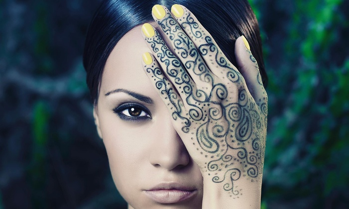 Fatima Eyebrow Threading & Henna Art - Union: 30-Minute Henna Art Session from Fatima Eyebrow Threading & Henna Tattoo (44% Off)
