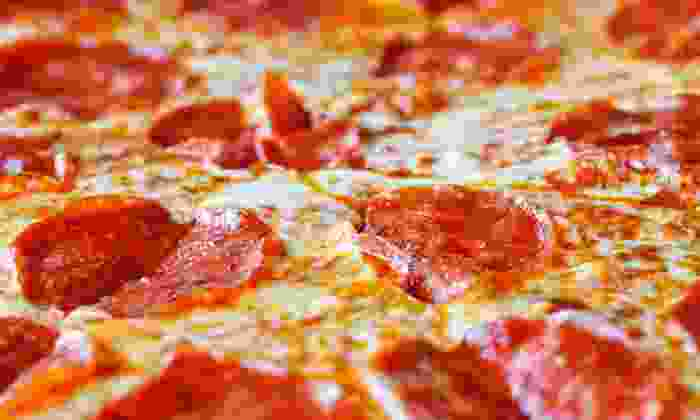 Pizzeria Scotty - West View: Medium or Extra-Large Pizza Meal with Garlic Bread Sticks and Soda from Pizzeria Scotty (Half Off)
