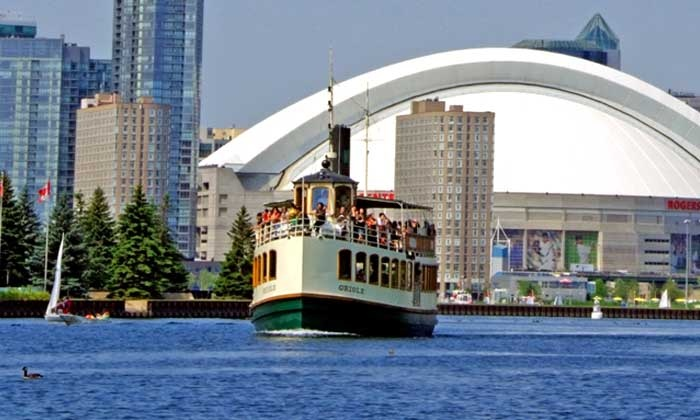 Mariposa Cruises - Downtown Toronto: C$11 for a 45-Minute Harbour Tour from Mariposa Cruises (Up to C$22.60 Value)