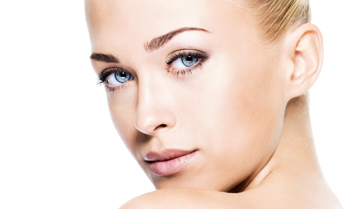 Hello Gorgeous - The Village at Fairview Shopping Center: $39 for Signature Spa Facial, Makeup Lesson, and Makeover with Complimentary Drinks at Hello Gorgeous ($135 Value)
