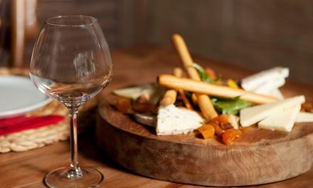 Cena para 2 o 4 personas con entrante, principal y botella de vino o bebida desde 21,95 € en La Flor de Azahar