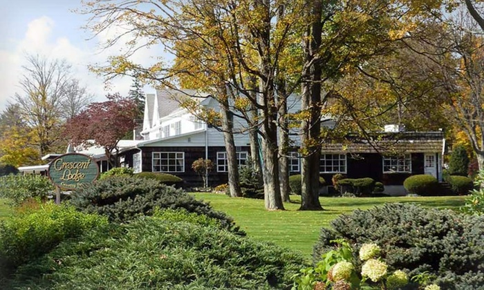 null - Allentown / Reading: Stay at Crescent Lodge & Country Inn in the Pocono Mountains