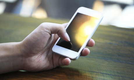 iPhone or iPad Screen Repair at Appleberry Smartphone and Laptop Repair (Up to 34% Off). Nine Options Available. photo