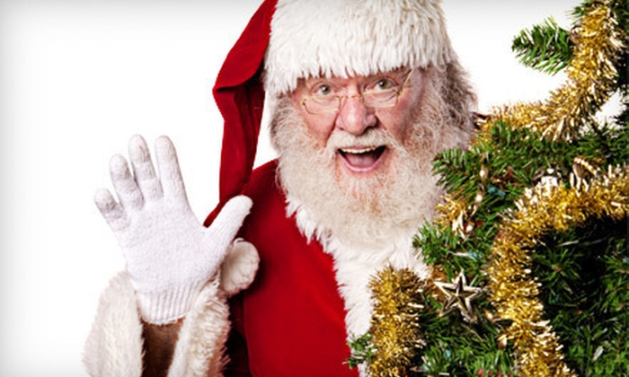 St. Laurent Centre - Ottawa: $19 for North Pole Photo Package with Visit with Santa Claus and Prints at St. Laurent Centre ($39.99 Value)