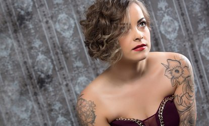 Hollywood Glamour Photoshoot With Makeover and Three Prints for £19