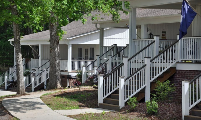 Spinner's Resort - Batesburg-Leesville: Two-, Three-, or Seven-Night Stay at Spinner's Resort in Leesville, SC