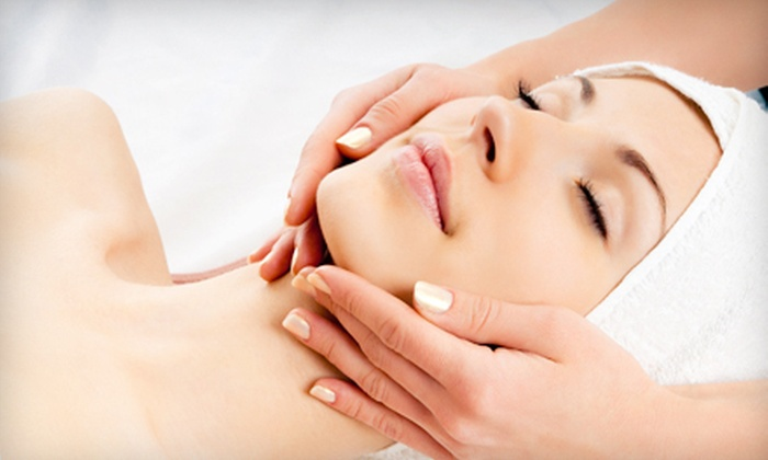 Rose Face and Body Contour - University Drive: $30 for an Eight-Step Facial at Roses Face & Body Contour in Aventura ($120 Value)