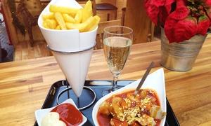 Fun-Food-Factory: Weihnachtliche Currywurst mit Pommes und Prosecco oder Softdrink bei der Fun-Food-Factory (bis zu 45% sparen*)