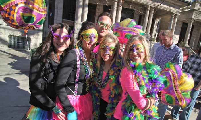 Festa Parties - North Center: $10 for the Admission to the BeadQuest Pub Crawl from Festa Parties ($20 Value)