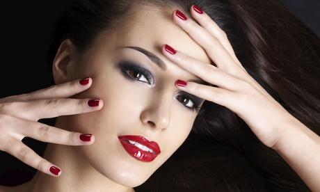 Sesión de belleza con peluquería y corte, manicura, maquillaje e higiene facial desde 9,95 €