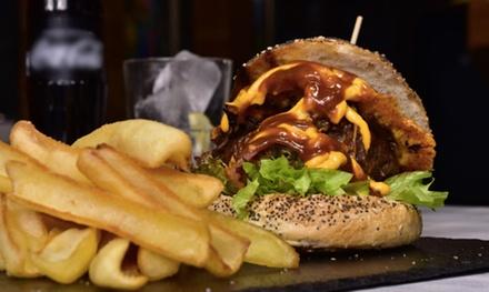Menú burger para 2 o 4 personas con entrante, hamburguesa y bebida desde 14,90 € en Que Burger