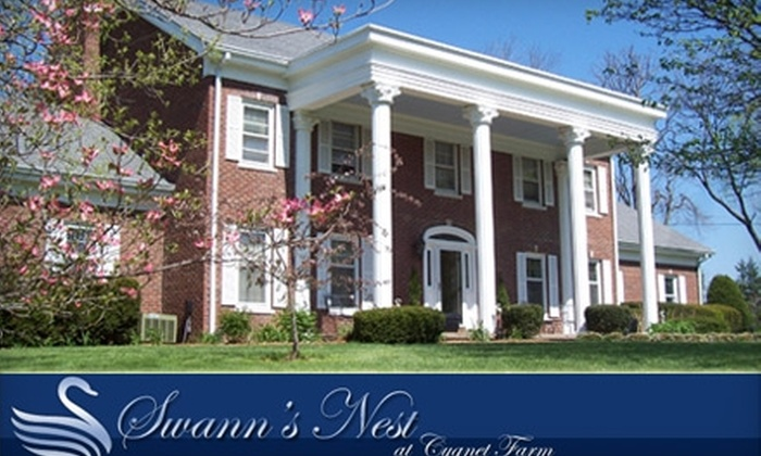 Swann's Nest Bed & Breakfast - Lexington-Fayette: $115 for a One-Night Stay in a Deluxe Room, Plus Breakfast and a Bottle of Wine, at Swann's Nest Bed & Breakfast