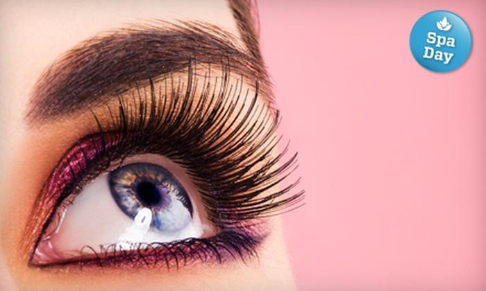 Fembotika iLash Bar - Toronto (GTA): Discover or Born With It Eyelash Extensions at Fembotika iLash Bar
