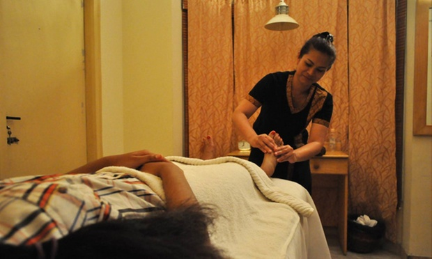 Choice Of Full Body Massage, Foot Reflexology  More At 7C -7227