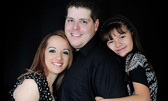"""Funny face Family Photography - Moore: $59 for Family-Portrait Session with Greeting Cards and a 16""""x20"""" Print at Funny Face Family Photography ($125 Value)"""