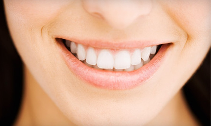 Smile Straight Orthodontics - Multiple Locations: $39 for an Orthodontic Exam, X-Rays at Smile Straight Orthodontics ($400 Value)