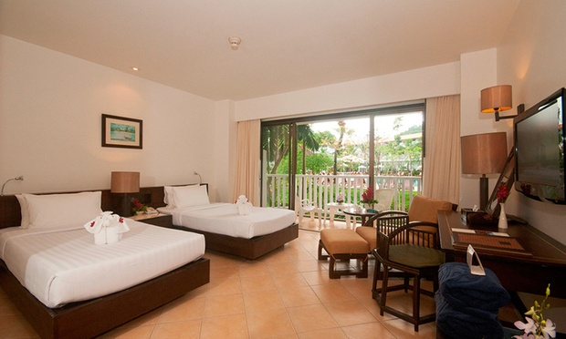 Krabi: Local Hotel Stay + Flights 1