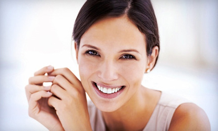 St. Louis Center for Aesthetic and Restorative Dentistry - Hazelwood: $1,599 for Dental Implant at St. Louis Center for Aesthetic and Restorative Dentistry in Hazelwood ($5,129 Value)