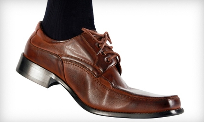 Footworks At The Mall - Grandville: $20 for a Lifetime Gold Membership Card for Unlimited Shoeshines at Footworks At The Mall in Grandville ($99 Value)