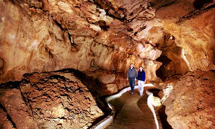 Historic Diamond Caverns - Cave City: One-Hour Cave Tour for Adult or Child from Historic Diamond Caverns (Up to Half Off)