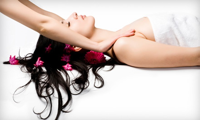Rosci Salon Da' Spa - Multiple Locations: $35 for 60-Minute Swedish, Aromatherapy, or Deep-Tissue Massage at Rosci Salon Da' Spa (Up to $75 Value)