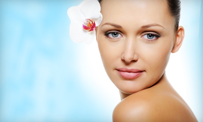 Elite Ceuticals - Country Club Plaza: Reflexology Session, Body Detox, and Nonsurgical Facelift at Elite Ceuticals (Up to 55% Off). Three Options Available.