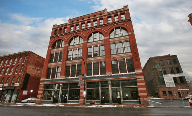 Lofts on Pearl - Buffalo, NY : Stay at Lofts on Pearl in Buffalo, NY. Dates into March.