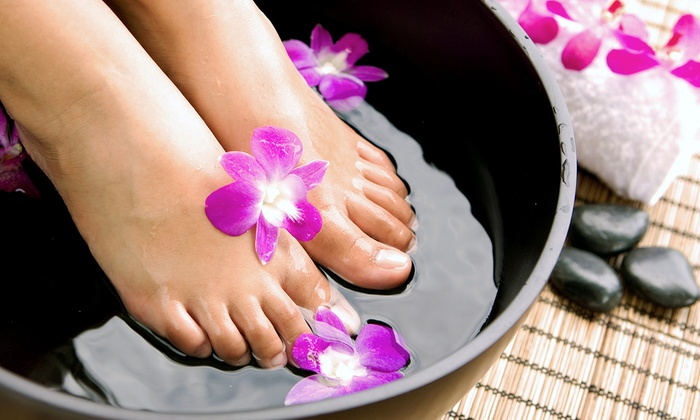 Divine Wellness - Winter Garden: Detox Footbath with Optional Compass Scan or Three Footbath Sessions at Divine Wellness (Up to 59% Off)