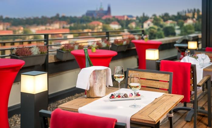 Prag: 2 bis 4 Tage für 2 Personen mit Fitness und opt. 1x Romantik-Dinner im 4* Vienna House Diplomat Prague