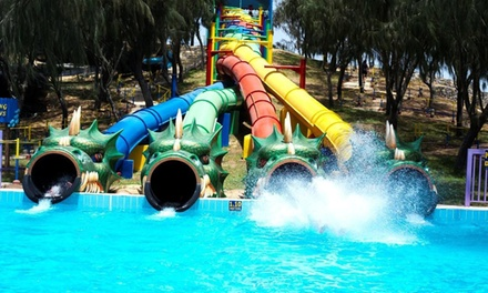 RAK: Stay for 2 with Breakfast and Dreamland Tickets; with Option for Half Board and Zoo Tickets at Ras Al Khaimah Hotel