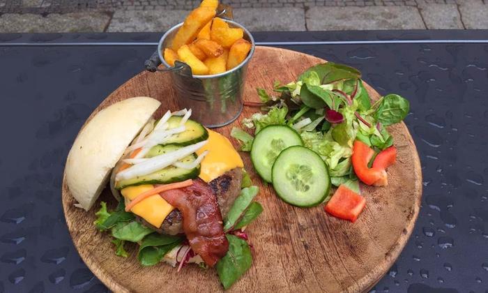 Pan Bao Burger - Berlin: Bao-Burger-Menü nach Wahl inkl. Rolls und Kim Chi Soup für 1 oder 2 Personen bei Pan Bao Burger (bis zu 53% sparen*)