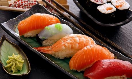 Menú con 40 piezas de sushi para 2 por 24,95€ o con 16 piezas y pato cantonés, por 26,95 € en plaza de los Mostenses