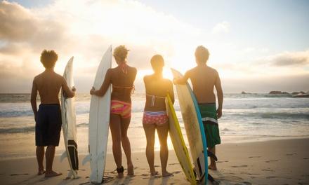 Portugal: 7 noches para 1 persona en habitación compartida, desayuno y 5 clases de surf en Ericeira Chill Hill Hostel
