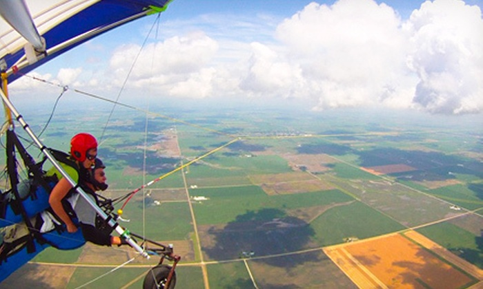 Hang Glide Chicago - Burnham: $169 for an Introductory Tandem-Hang-Gliding Lesson from Hang Glide Chicago ($289 Value)