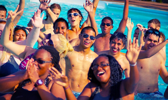 Wild Water Kingdom - Brampton: $ 14.50 for a Full-Day Visit in June to Wild Water Kingdom (Up to $ 31.86 Value)