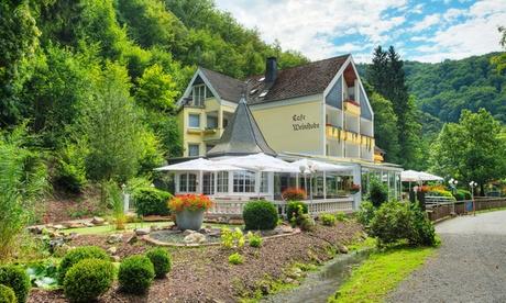 Bad Bertrich: 2-3 Nächte für Zwei in der Vulkaneifel inkl. Schlemmer-Menü, opt. mit Therme, im Hotel am Schwanenweiher