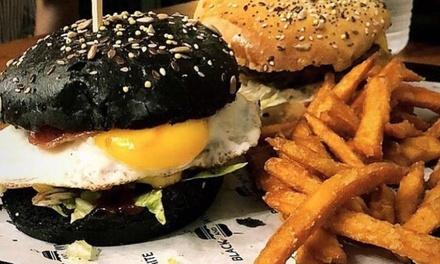 Formule burger avec frites et boisson pour 1, 2 ou 3 personnes dès 9,90 € à Black And White Burger