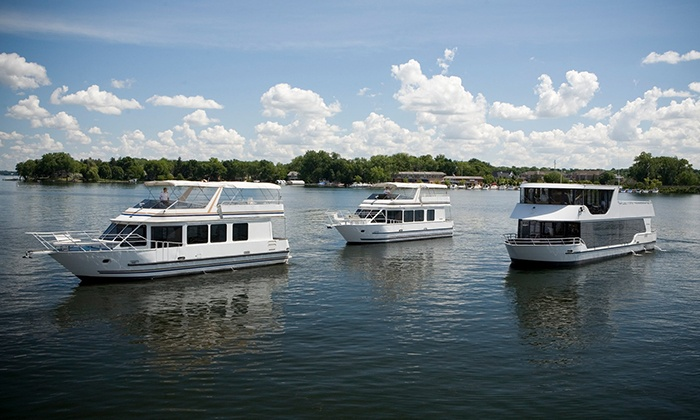 Paradise Charter Cruises & Minneapolis Queen - Multiple Locations: Sightseeing or Happy Hour and Pizza Cruise from Paradise Charter Cruises & Minneapolis Queen (Up to 47% Off)