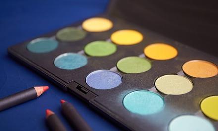 1,5 Std. Make-Up Workshop für 1 oder 2 Personen mit Kristina Kunzfeld (bis zu 75% sparen*)