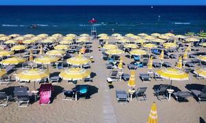 Lido La Florida: Pineto - Ingresso in spiaggia con lettini, sdraio e ombrellone per 2 o 4 persone da Lido La Florida (sconto fino a 57%)