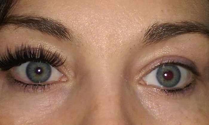 Päsh Boutique And Lash Lounge - Billings / Bozeman: Full Set of Eyelash Extensions at Päsh Boutique and Lash Lounge (50% Off)