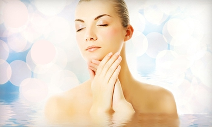 BodyLine Medical Spa - Garden City: $99 for a SilkPeel Dermal Infusion or a Chemical Peel at BodyLine Medical Spa in Garden City ($250 Value)