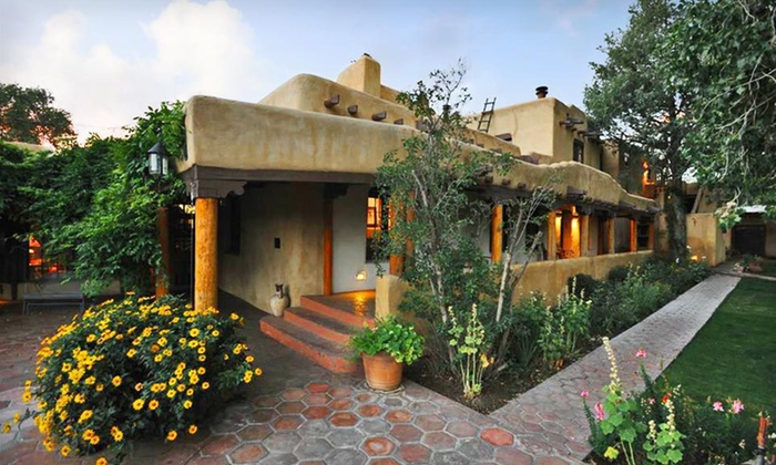Inn on La Loma Plaza - Taos, NM: One- or Two-Night Stay with Optional Dining Credit or Champagne at Inn on La Loma Plaza in Taos, NM