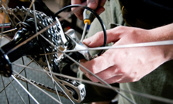 Bikes On Wheels - Downtown Toronto: $33 for a Bike Tune-Up at Bikes on Wheels ($67.80 Value)