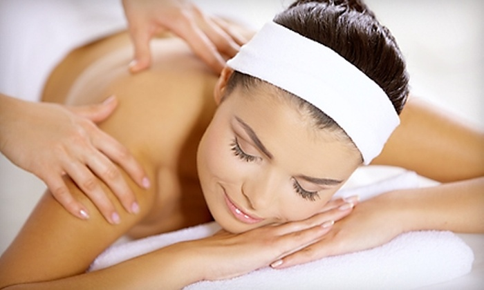 Naples Massage Therapy - Naples: $44 for a Facelift Massage and a Thermal Palm Back Massage at Naples Massage Therapy ($89 Value)