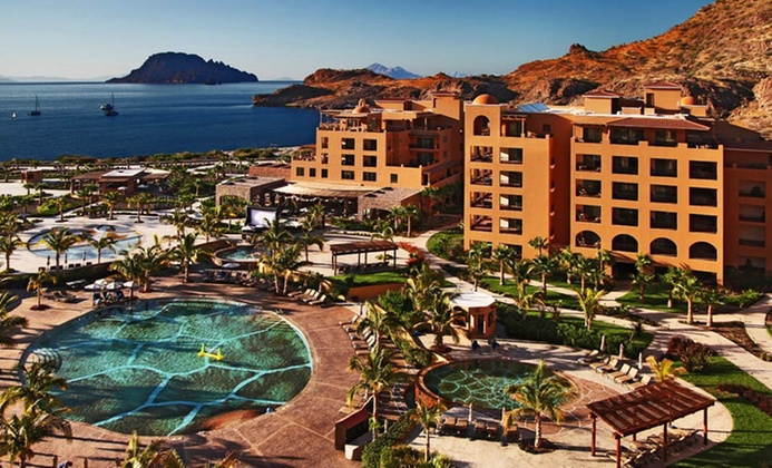 4.5-Star Mexico Resort with All-Inclusive Options
