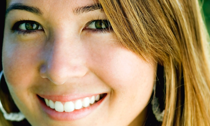 Smile Dental Art - Bryans Road: $44 for a Dental Exam, Cleaning, and X-rays at Smile Dental Art ($180 Value)